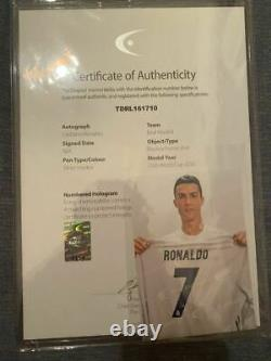 Cristiano Ronaldo's signature uniform Real Madrid With certificate Soccer