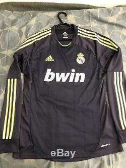 Real madrid authentic jersey, Size 8(L) Player Issue